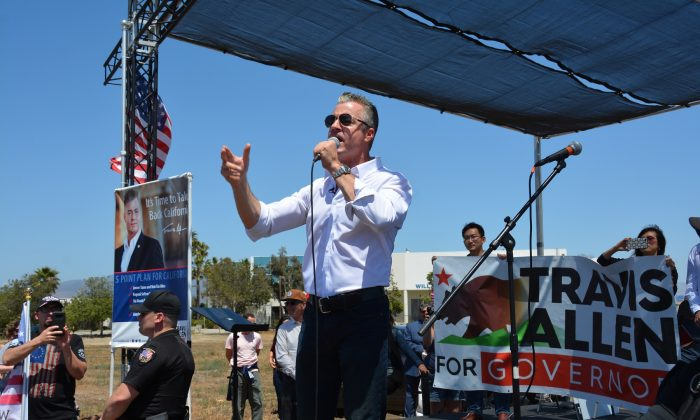 Assemblyman Travis Allen speaks at a rally in San Diego, just across the border from Tijuana, Mexico, on May 27, 2018. Allen is a Republican candidate for governor of California. (Sophia Fang/Epoch Times)