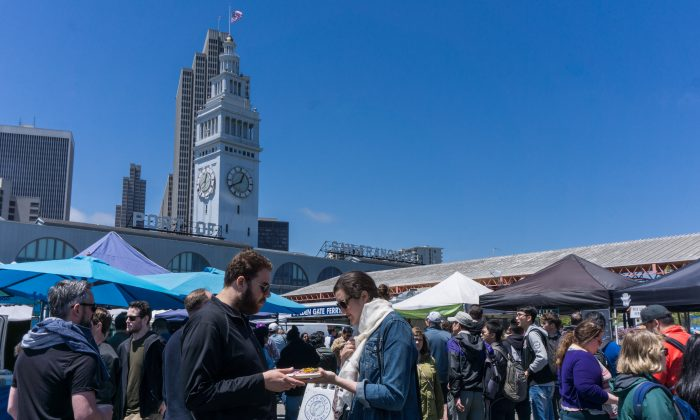 The Ferry Plaza Farmers Market is a mecca of fresh, local foods and other treasures. (Crystal Shi/The Epoch Times)
