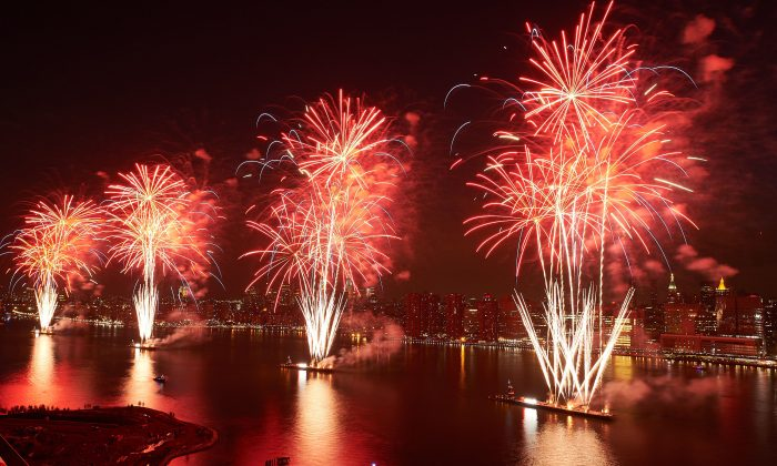 Macys 4th of July Fireworks (Courtesy of Macy's)