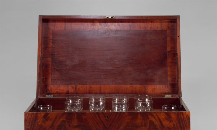 Grand (Glass) Harmonicon made by Francis Hopkinson Smith, circa 1825–30. (The Metropolitan Museum of Art)