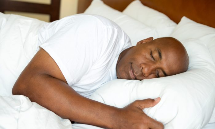 Having a sleep ritual can get you in the mood to sleep. (shutterstock)