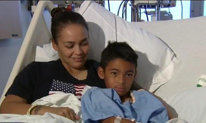 Photo of Kekoa Ramirez (R) and his mother (L) in the hospital on June 21, 2018. (Screenshot via Fox4)