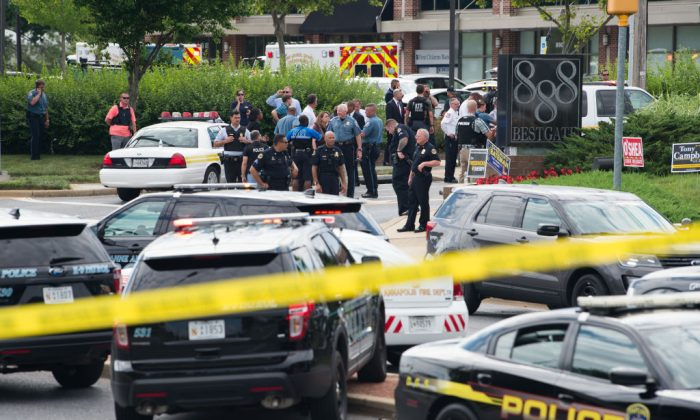 Police respond to a shooting in Annapolis, Maryland, June 28, 2018.  (SAUL LOEB/AFP/Getty Images)