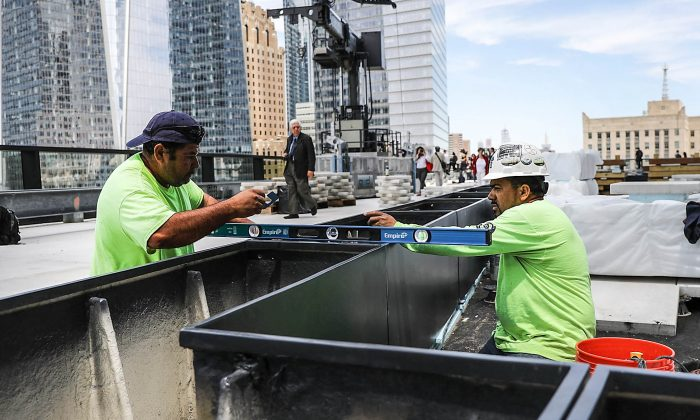 Workers on Three World Trade Center in New York City on June 11, 2018. (Spencer Platt/Getty Images)
