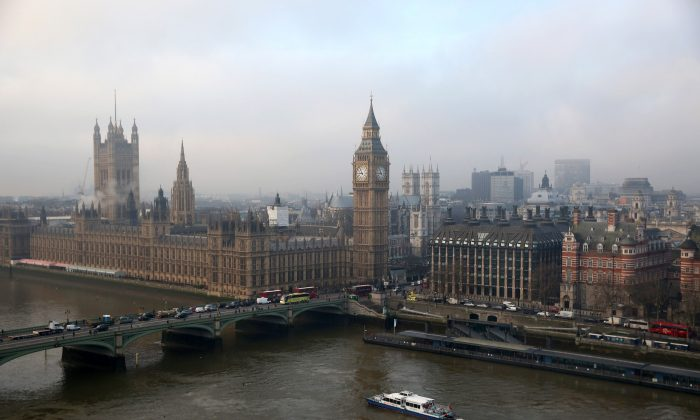 The Houses of Parliament and the river Thames on January 21, 2014 in London, England. (Oli Scarff/Getty Images)