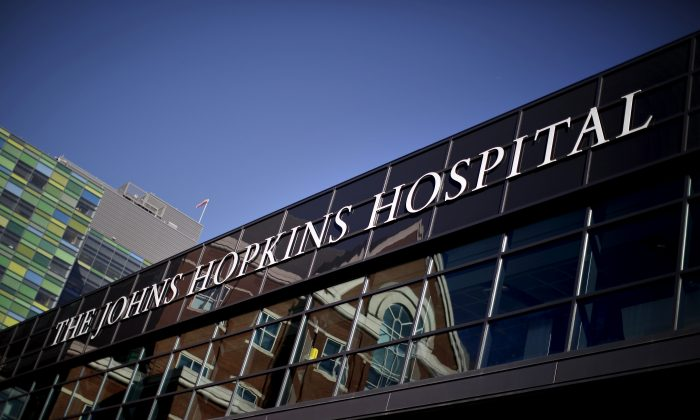 The John Hopkins Hospital is seen at a area near the downtown of Baltimore, Maryland, on Nov. 4, 2015.  (Carlos Barria/Reuters)