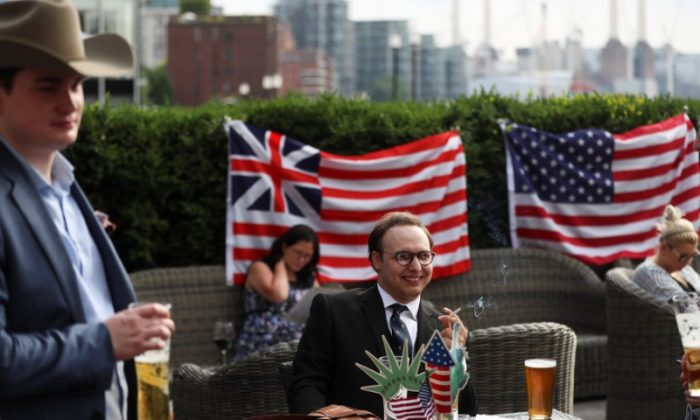 People attend a Young Republicans event in London, July 4, 2018. (Reuters/Simon Dawson)