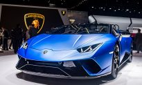 Lamborghini Huracan Engulfed in Flames After Minivan Pulls Off Gas Pump Nozzle