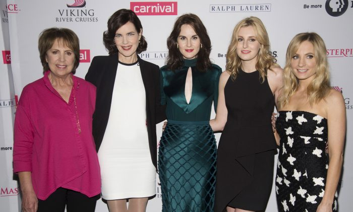 """""""Downton Abbey"""" cast members (L-R) Penelope Wilton, Elizabeth McGovern, Michelle Dockery, Laura Carmichael and Joanne Froggatt attend a photo call in Beverly Hills, Calif. Aug. 1, 2015. (Phil McCarten/Reuters/File Photo)"""