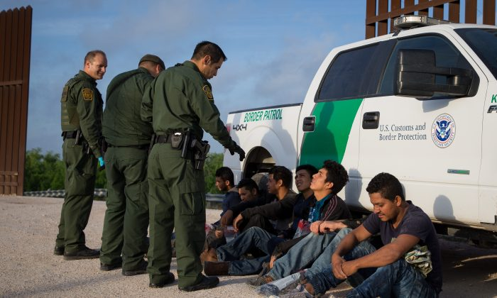 US Border Arrests of Families Hits Another Record Amid Mexico Tariff