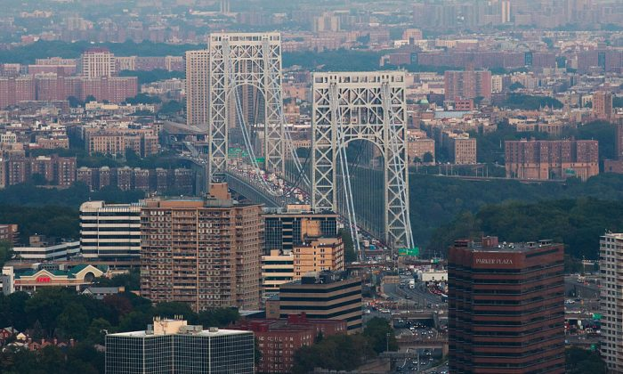 An aerial of the George Washington Bridge on Sept. 8, 2016, in New York City. The city's Health Department announced 16 cases of Legionnaires Disease in northern Manhattan on July 15, 2018. (Drew Angerer/Getty Images)