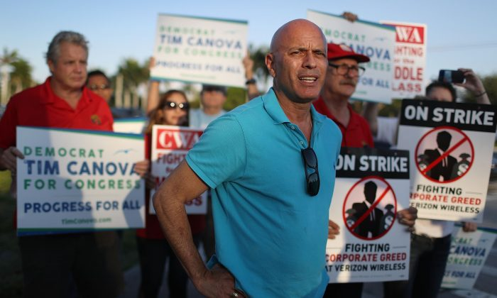 Tim Canova, Democrat Congressional Candidate, in Pembroke Pines, Florida on May 25, 2016. (Joe Raedle/Getty Images)
