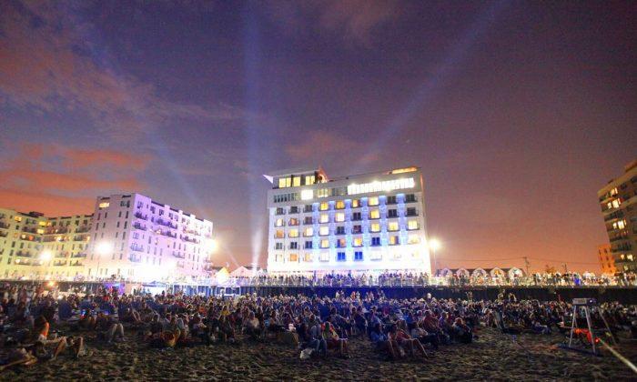Festival-goers enjoy short films on the beach. (Courtesy of Long Beach International Film Festival)