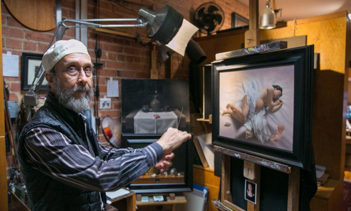 Painter and draftsman Carlos Madrid talks about his life and work in his studio in New York on July 3, 2018. (Milene Fernandez/The Epoch Times)