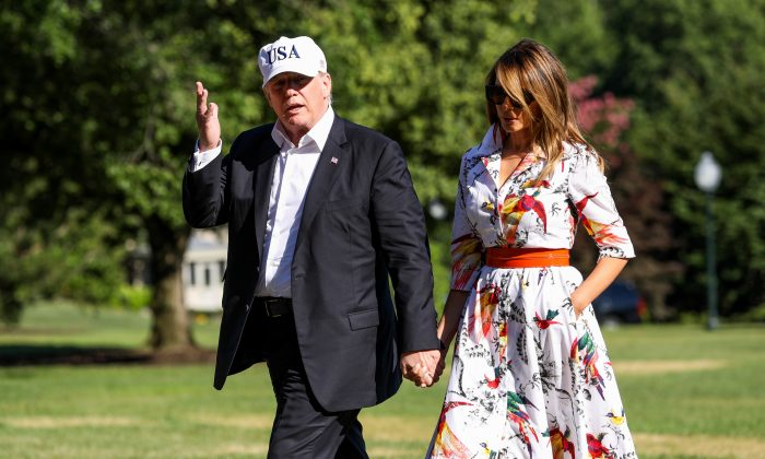President Donald Trump and First Lady Melania Trump return from Bedminster, N.J., at the White House in Washington on July 8, 2018. (Samira Bouaou/The Epoch Times)