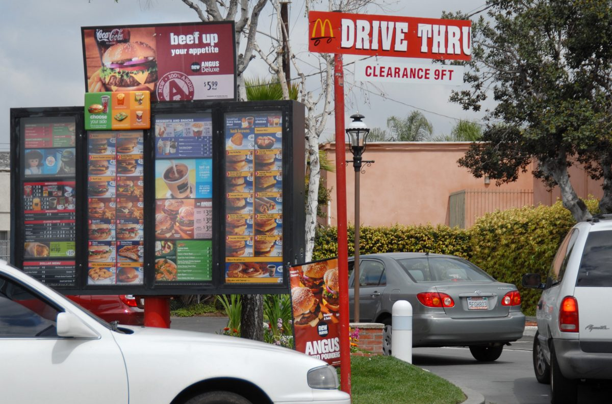 Car queue at the McDonalds drive-through in Anaheim, Calfornia on March 21, 2007. (Jamie Rector/Getty Images)