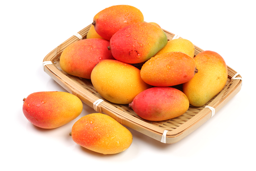 Eating two cups of mangoes can help relax blood vessels within two hours' time. (Shutterstock)