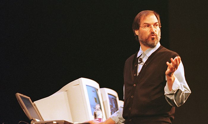 Apple Computer Interim CEO and co-founder Steve Jobs speaks at a press conference in Cupertino, California. (John G. Mabanglo/AFP/Getty)