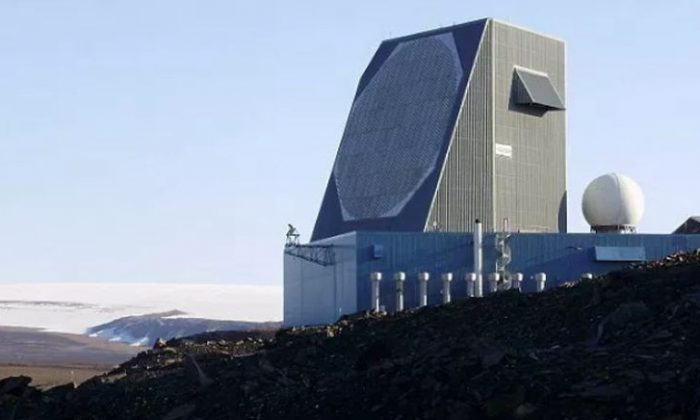 An early warning radar installation in Thule, Greenland. A meteor struck 25 miles north of the base in July. (US Air Force)