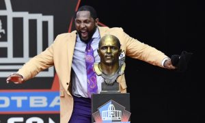 Lewis Urges Togetherness and Love in NFL Hall of Fame Speech