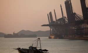 Latest Data on Shenzhen Exports Reveals Gloomy Outlook Amid US–China Trade Woes