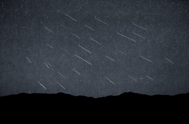 """Perseid Meteor Shower at Black Rock Desert on August 12th 2015. (""""Perseid Meteor Shower"""" by Trevor Bexon/Flickr[CC BY 2.0 (ept.ms/2haHp2Y)]))"""