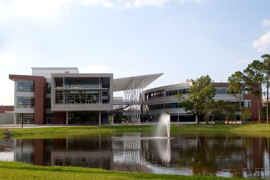 The student union building at the University of North Florida, in Jacksonville, Florida on July 12, 2009. (The222/Creative Commons)