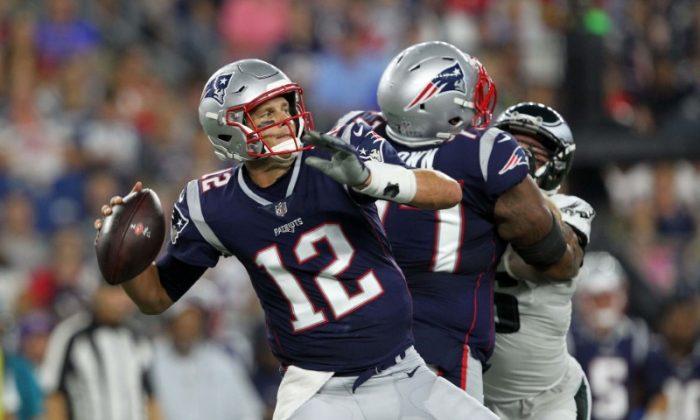 New England Patriots quarterback Tom Brady throws a pass against the Philadelphia Eagles during the first quarter. (Stew Milne/USA Today Sports)