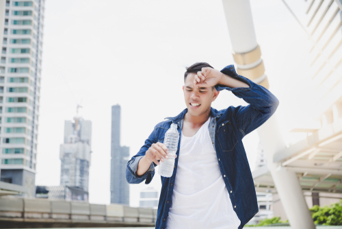 Our modern, urban lifestyles leave us social isolated, anxious, and stressed, increasing our body's demand for fluid, all while dry indoor air dehydrates us. (shutterstock)