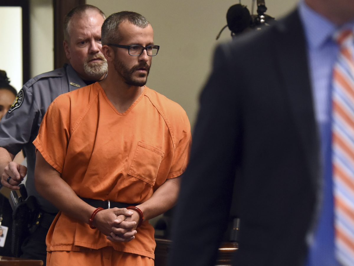 Christopher Watts is escorted into the courtroom before his bond hearing at the Weld County Courthouse in Greeley, Colorado on August 16, 2018. (Joshua Polson/The Greeley Tribune via AP, Pool)