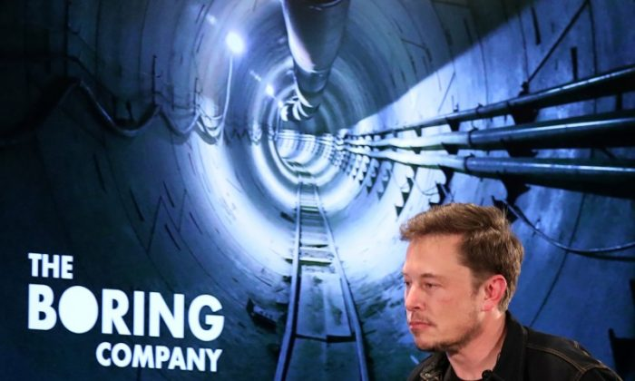 Elon Musk arrives to speak at Boring Company community meeting in Bel Air, Los Angeles, California, on May 17, 2018. (REUTERS/Lucy Nicholson)