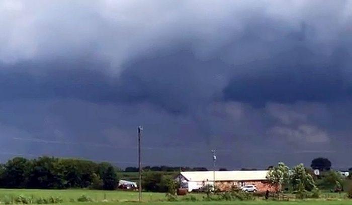 Tornado (Bonnie Hammond via Storyful)