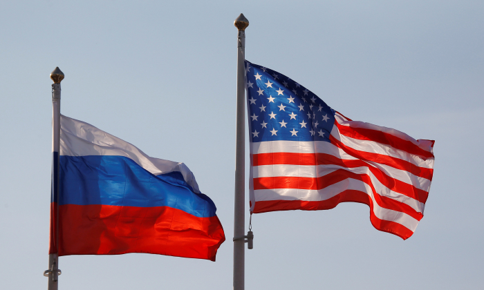 National flags of Russia and the U.S. fly at Vnukovo International Airport in Moscow, Russia on April 11, 2017. (Maxim Shemetov/Reuters)