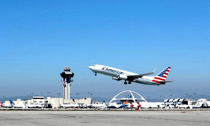File photo: An American Airlines Boeing 737-800 plane takes off from Los Angeles International airport (LAX) in Los Angeles, California, U.S. March 28, 2018. (Reuters/Mike Blake/File Photo)
