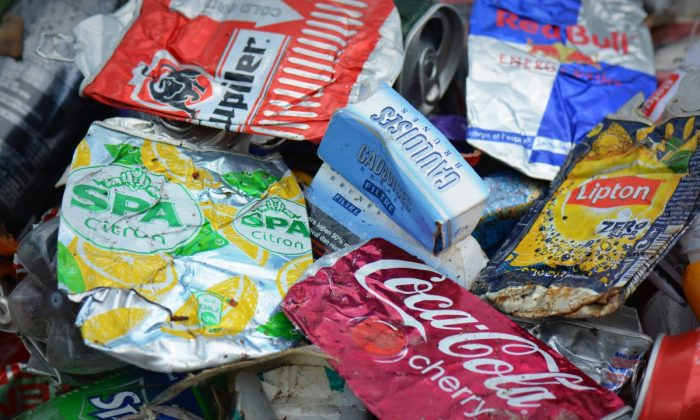 The free high-resolution photo of plastic, food, produce, snack, product, waste, cans, garbage, confectionery, flavor, junk food, frozen food, convenience food, illegal dumping. (Unknown, 02/21 2017, Ipxhere/CC0 1.0).