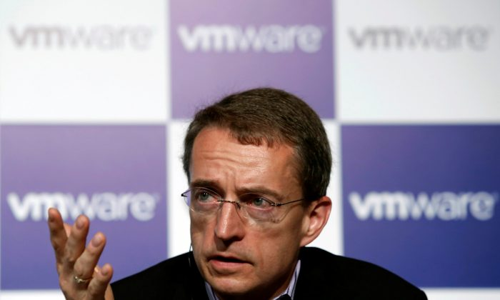 VMware CEO Pat Gelsinger speaks during a news conference in Tokyo on July 15, 2014.  (Reuters/Yuya Shino)