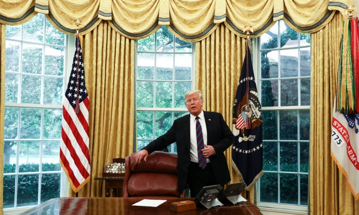 President Donald Trump announces that Mexico has agreed to enter into a new trade deal, the United States-Mexico trade agreement, in the Oval Office of the White House in Washington on Aug. 27, 2018. (Samira Bouaou/The Epoch Times)