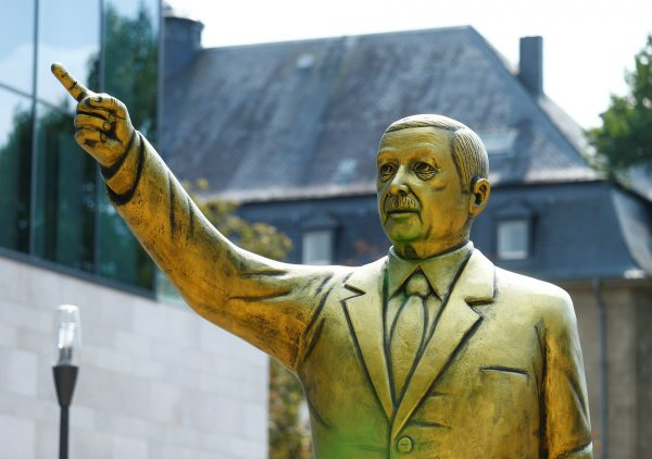 A golden statue of the Turkish president
