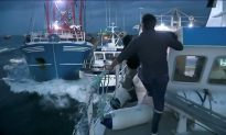 French, British Fishermen Duel in Channel Over Scallop-Fishing Rights
