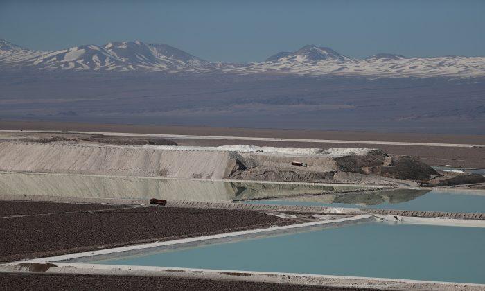 A view of brine pools of a lithium mine on the Atacama Salt Flat in the Atacama Desert, Chile August 16, 2018.  REUTERS/Ivan Alvarado