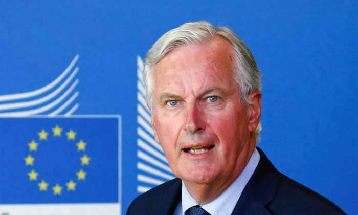 European Union's chief Brexit negotiator, Michel Barnier attends a media briefing with Britain's Secretary of State for Exiting the European Union, Dominic Raab, after a meeting at the EU Commission headquarters in Brussels, Belgium August 21, 2018. (Reuters/Francois Lenoir)