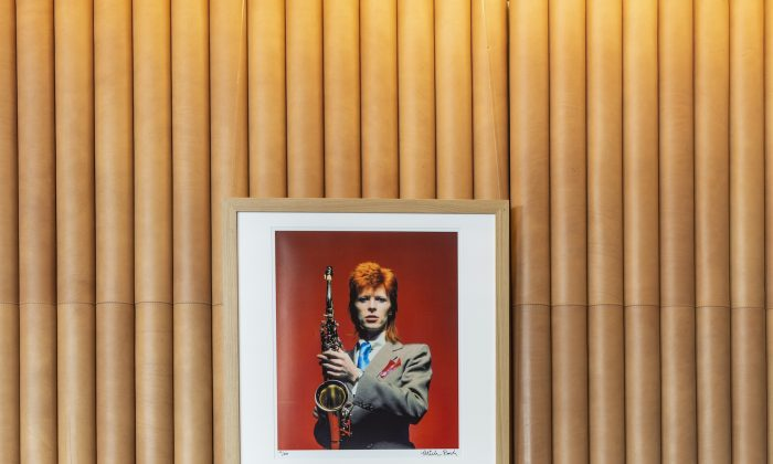 Ziggy's drinks and decor pay tribute to David Bowie's famed alter ego. (Courtesy of Hotel Café Royal)