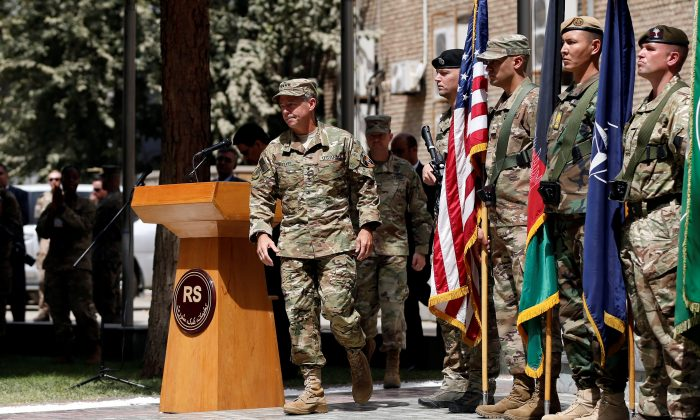 Incoming Commander of Resolute Support forces and command of NATO forces in Afghanistan, U.S. Army General Scott Miller walks during a change of command ceremony in Resolute Support headquarters in Kabul, Afghanistan Sept. 2, 2018. (Reuters/Mohammad Ismail)
