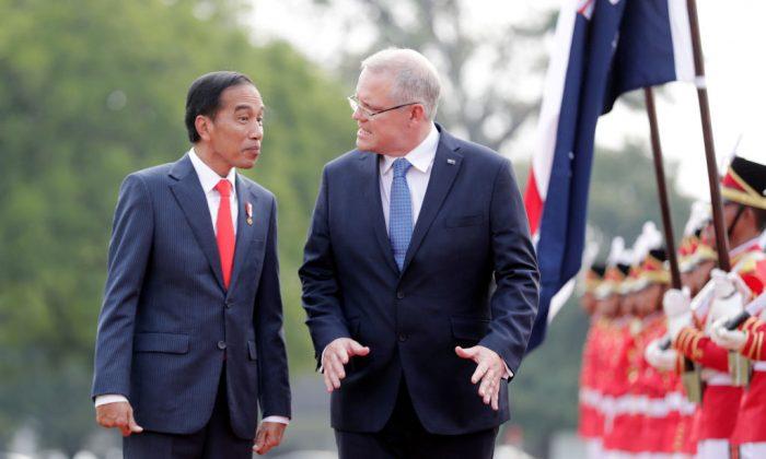Indonesia's President Joko Widodo (2nd L) with Australia's Prime Minister Scott Morrison (C) in Bogor, Indonesia, on Aug. 31, 2018. MAST IRHAM/AFP/Getty Images)