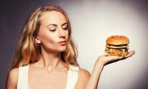 Eating Junk Food Raises Cancer Risk, Even for Slim Women