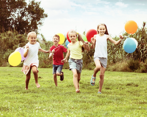 When school resumes, encourage outdoor activities while the weather is still nice. (Shutterstock)