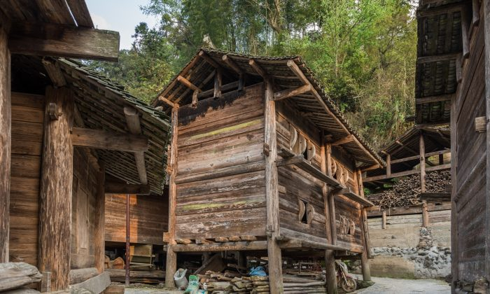 An ancient Chinese granary of wood. (Shutterstock)