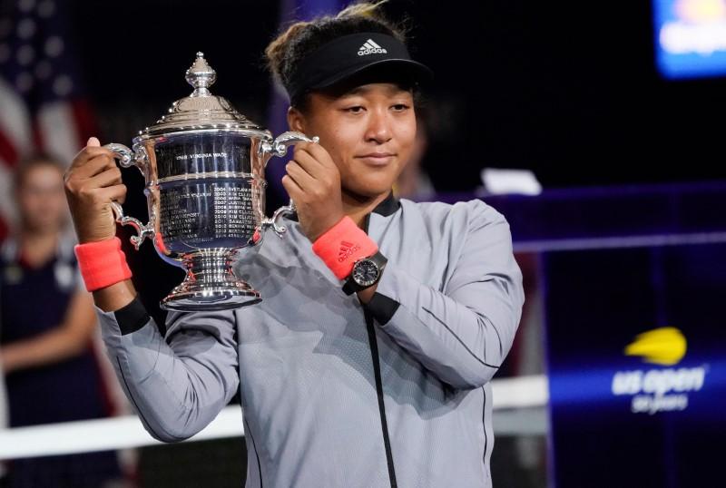 Naomi Osaka beats Serena Williams