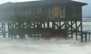 Video: Hurricane Florence Hits Outer Banks Home on Stilts With Storm Surge