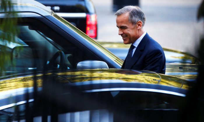 Mark Carney, Governor of Bank of England leaves Downing Street in London, Britain, on Sept. 13, 2018. (Henry Nicholls/Reuters)